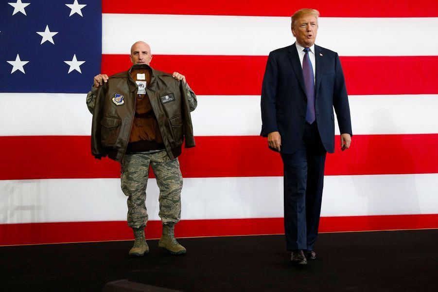 Donald Trump a une nouvelle fois averti la Corée du Nord de ne pas sous estimer la puissance des Etats-Unis, en s'exprimantdevant des soldats américains sur la base militaire américaine de Yokota (Japon).