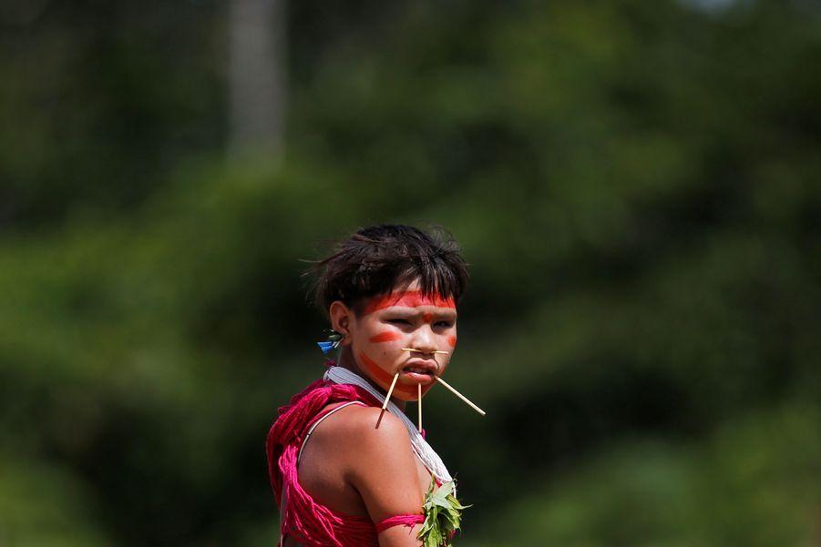 Jeune femme yanomami à la frontière de Surucucu, le 1er juillet 2020.