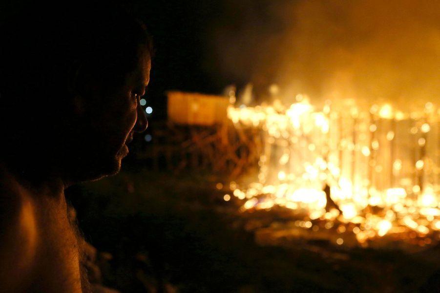 Le quartier de Manaus, au Brésil, en proie aux flammes