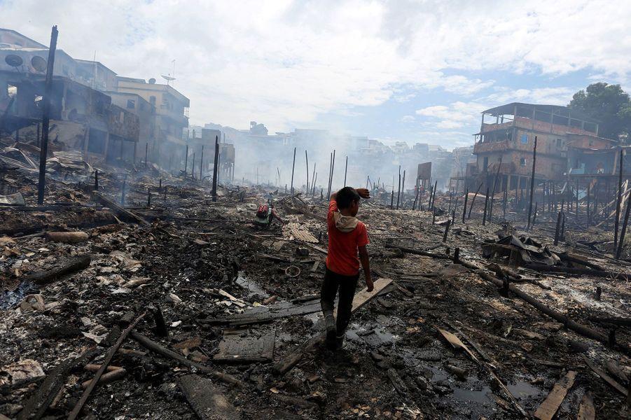 600 maisons sont parties en fumée dans le quartier pauvre de Manaus