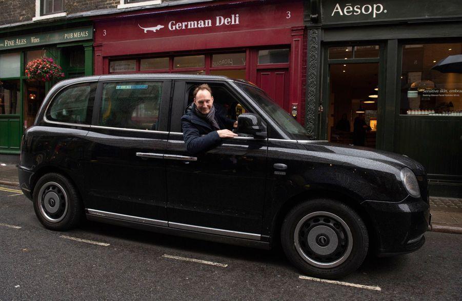 David, chauffeur de « cab » et patron de visitezlondresentaxi.com