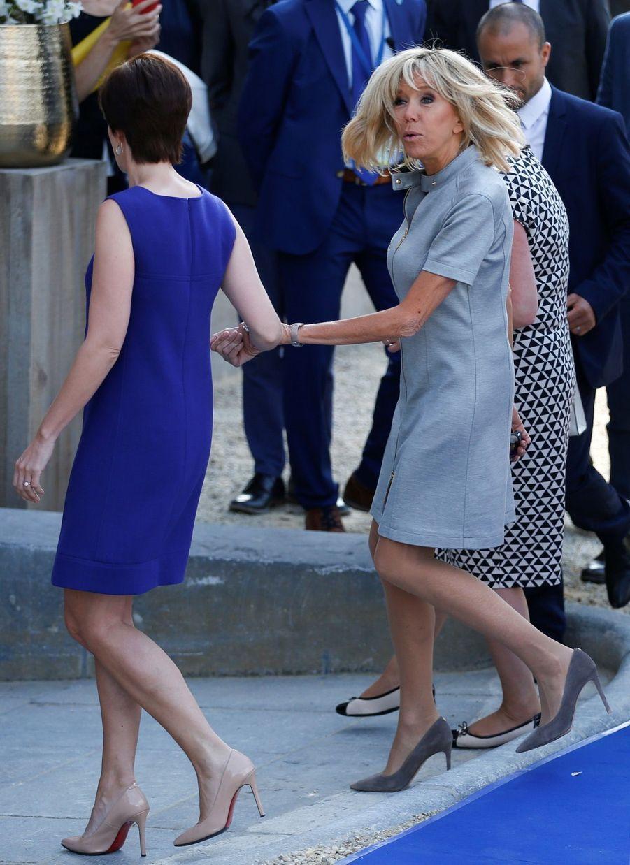Brigitte Macron et Amelie Derbaudrenghien