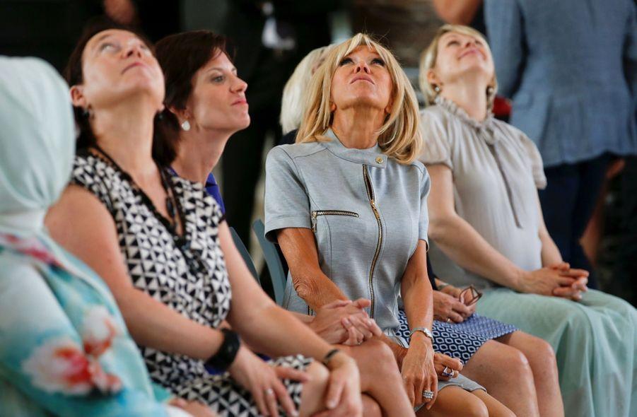 Brigitte Macron et les Premières dames de l'Otan