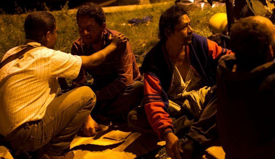 Nostrados Unidos organise des patrouilles nocturnes pour tenter de convaincre les damnés de la rue de rejoindre le centre.
