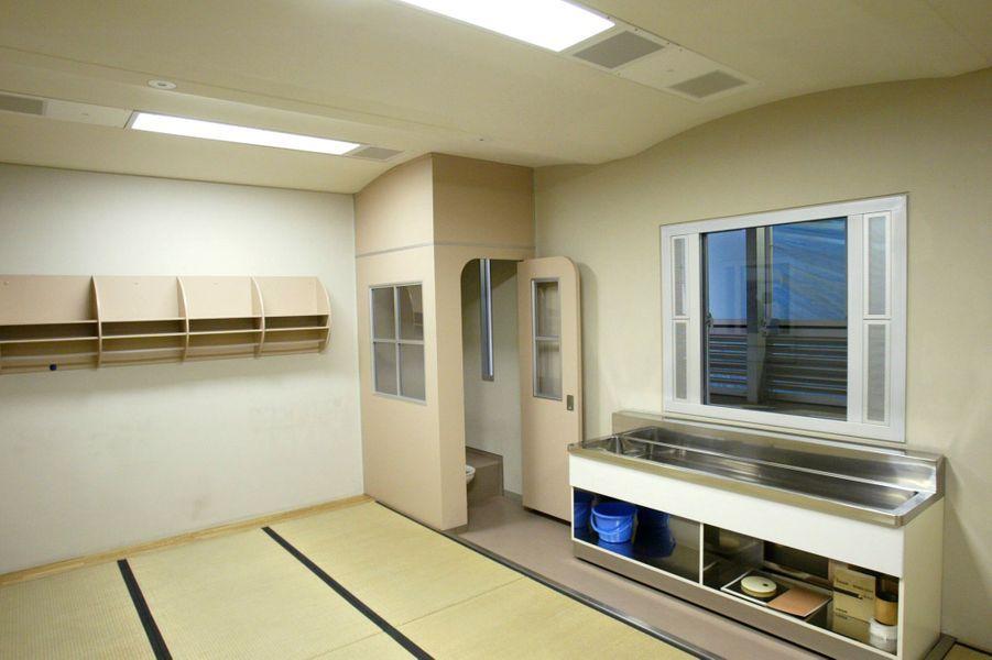 Cellule collective du centre de détention de l'arrondissement de Katsushika à Tokyo.
