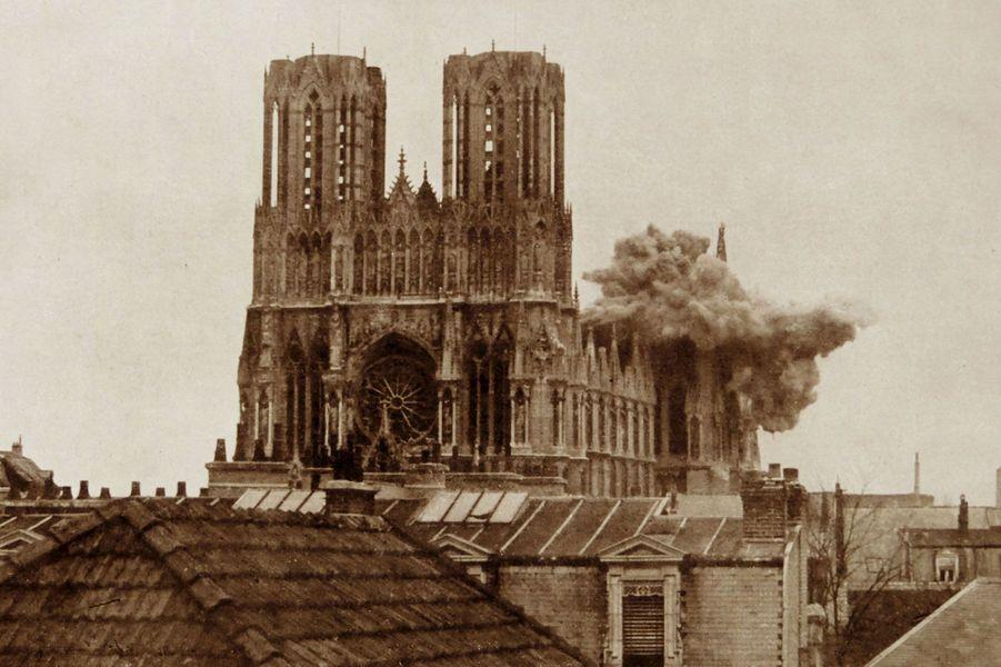 La cathédrale de Reims, détruite en 1914 par des bombardements des Allemands.