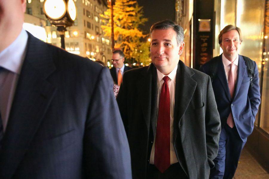 Ancien adversaire lors des primaires, Ted Cruz pourrait entrer au sein de l'administration Trump. Il a été vu sortant de la Trump Tower cette semaine.