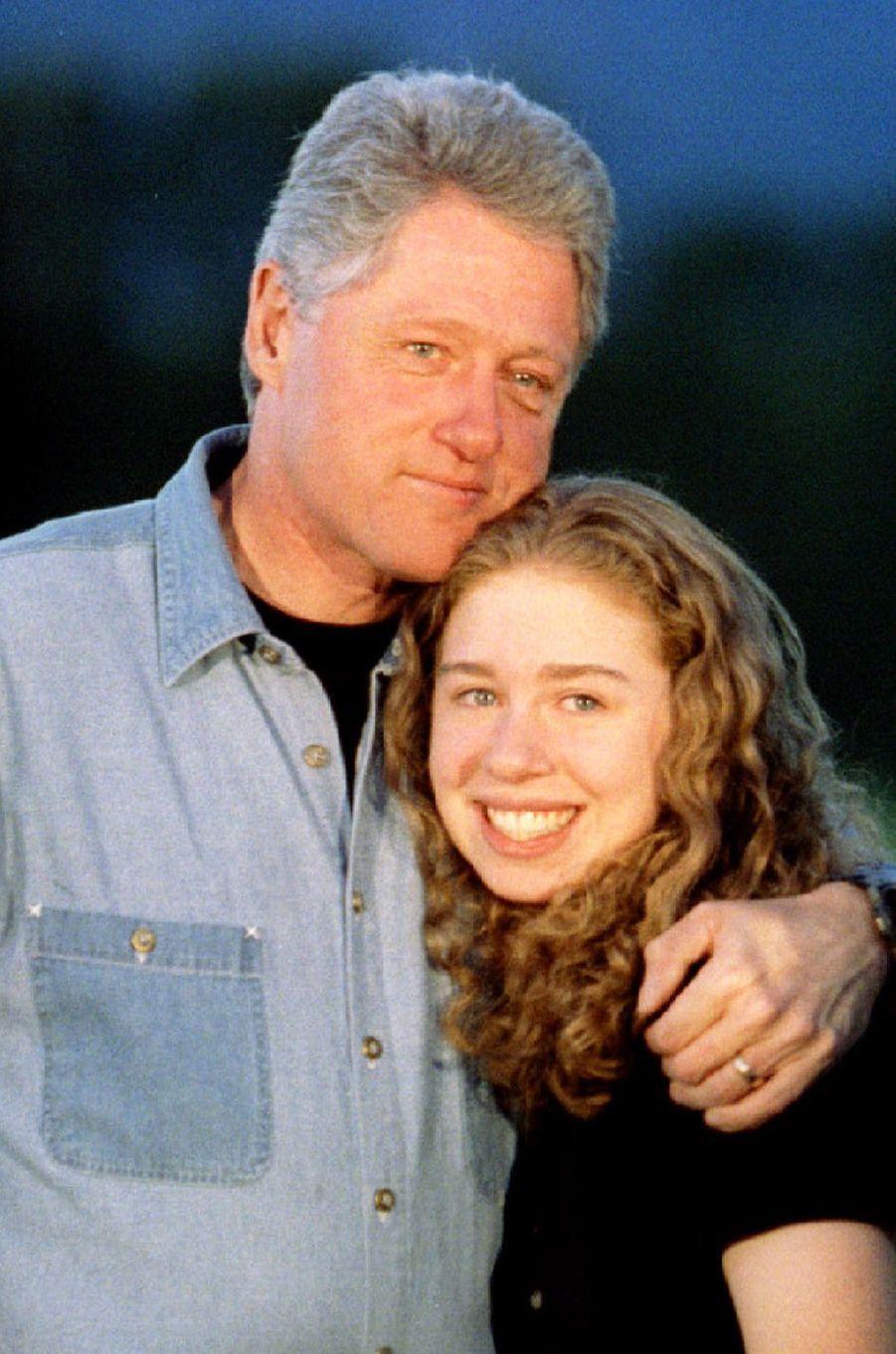 Bill etChelsea Clinton, en août 1995.
