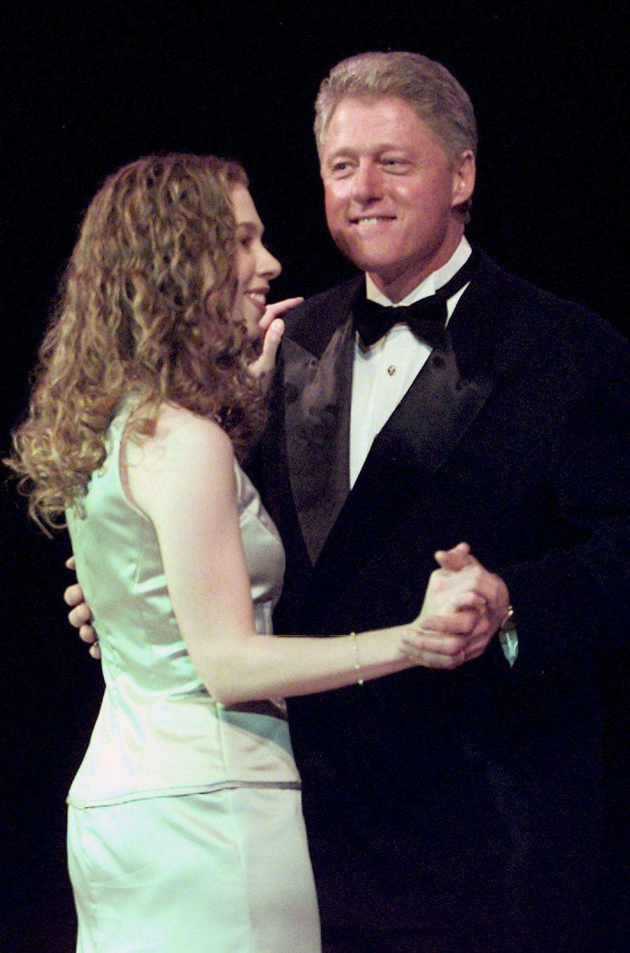Bill etChelsea Clinton, en janvier 1997.
