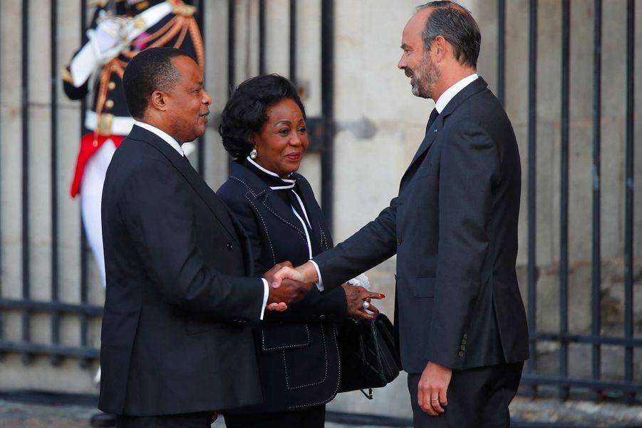 Le président congolais Denis Sassou-Nguesso et son épouse Antoinette accueillis par Edouard Philippeà l'église Saint-Sulpice pour l'hommage à Jacques Chirac, le 30 septembre 2019.