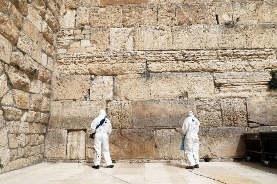 Le Mur des Lamentations a été désinfecté, le 31 mars 2020.