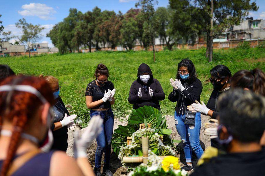 LeMexiquea franchi jeudi la barre des 50.000 morts du Covid-19.