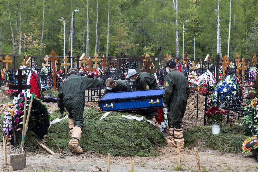 Le cimetière deButovskoye, où sont enterrées les victimes de Moscou, emportées par le Covid-19.