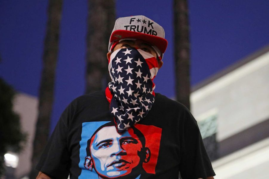 Manifestation contre l'acquittement de Donald Trump, à Los Angeles, le 5 février 2020.