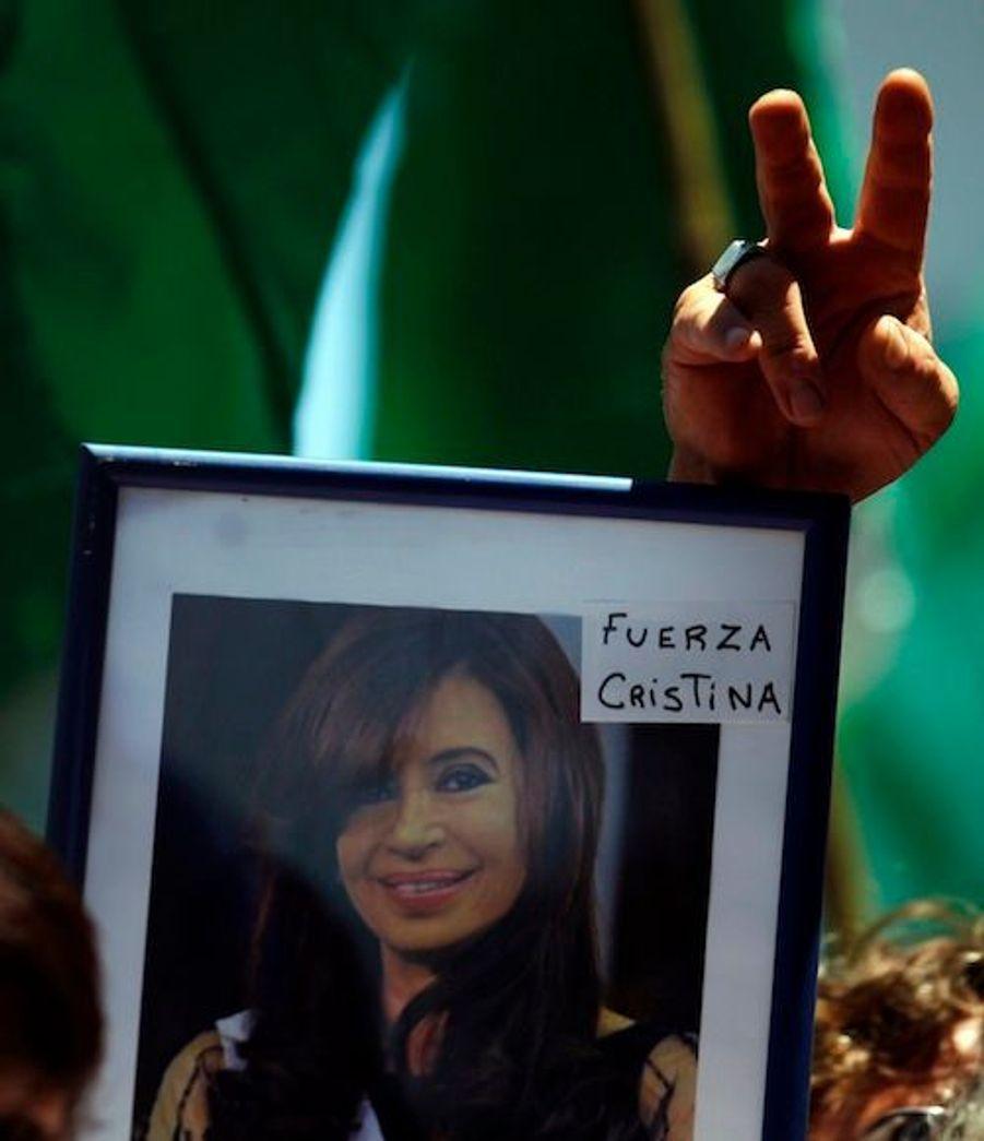"""""""Courage Cristina"""", dit le petit mot."""