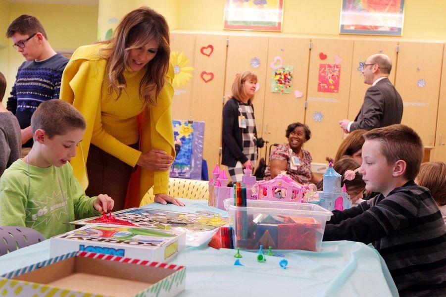 Melania Trump à l'hôpital pédiatrique de Cincinnati, dans l'Ohio, le 5 février 2018.