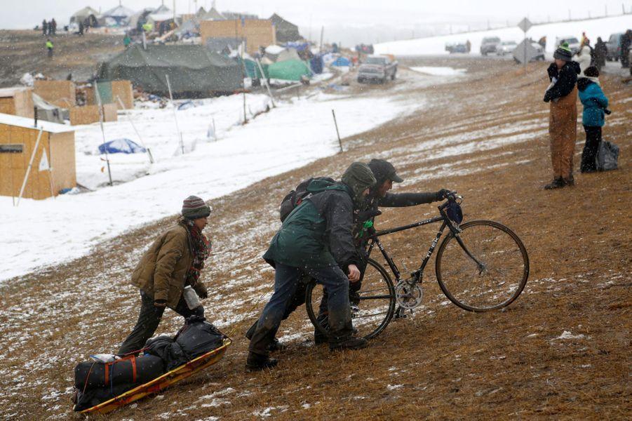 Les opposants au Dakota Access Pipeline lèvent le camp.