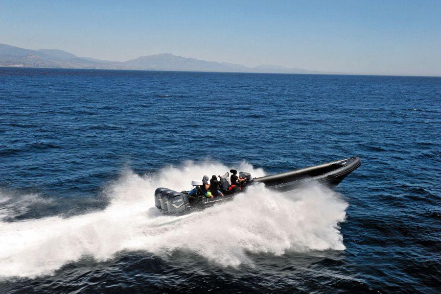 Course-poursuite en Méditerranée, le 16 juillet : la « lancha », le canot des narcos, a pris la fuite en voyant apparaître l'hélico de la police nationale de Malaga.