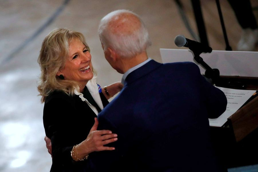 Jill et Joe Biden en meeting à Manchester, dans le New Hampshire, le 10 février 2020.
