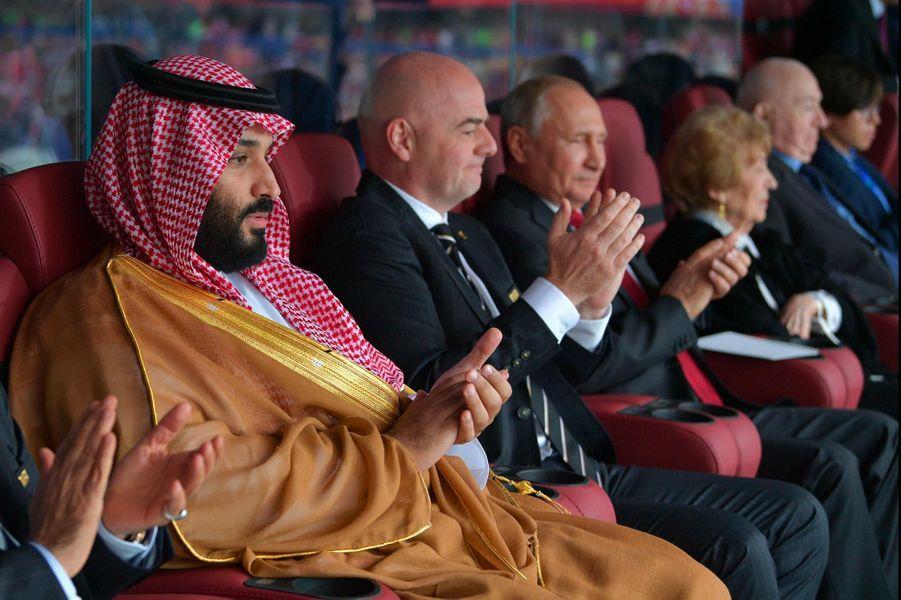 Vladimir Poutine et Mohammed ben Salmane à Moscou, le 14 juin 2018.