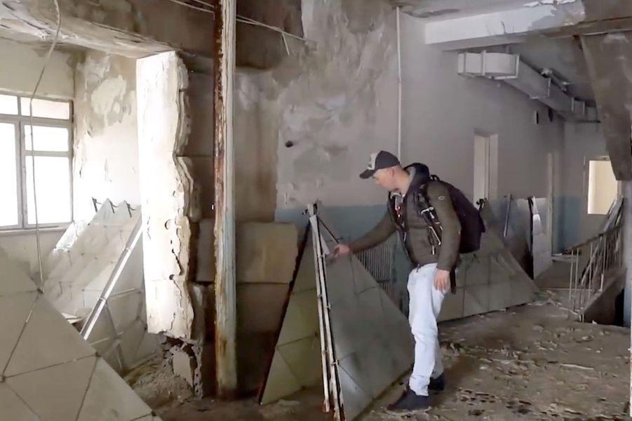 Le NéerlandaisBob Thissen et son équipe d'explorateurs urbains se sont rendus dans les ruines d'un télescope soviétique abandonné sur les pentes du mont Aragats, en Arménie.