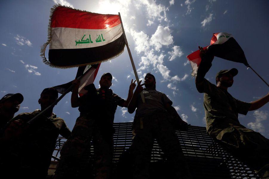 Les Troupes Irakiennes Célèbrent La Libération De Mossoul, Dimanche 8 Juillet 5
