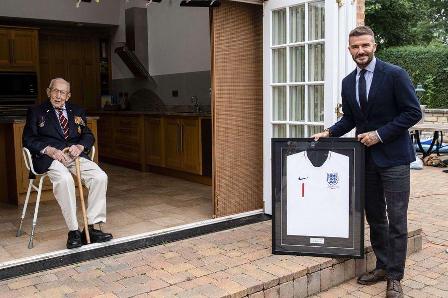 Tom Moore et David Beckham, le 9 juillet