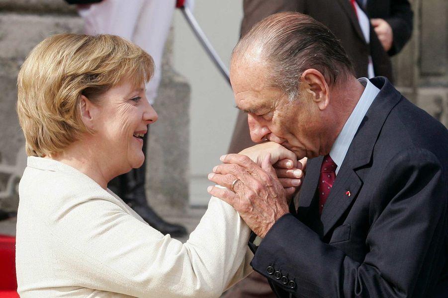 La chancelière allemand Angela Merkel et Jacques Chirac à Compiègne, en septembre 2006.