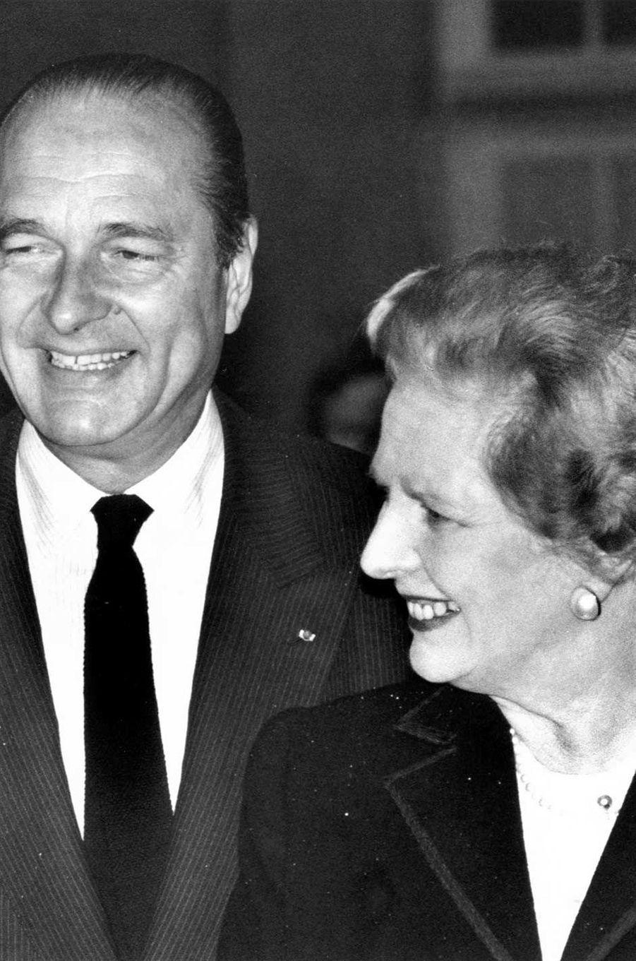 Jacques Chirac et la Première ministre britannique Margaret Thatcher à Paris, en novembre 1987.