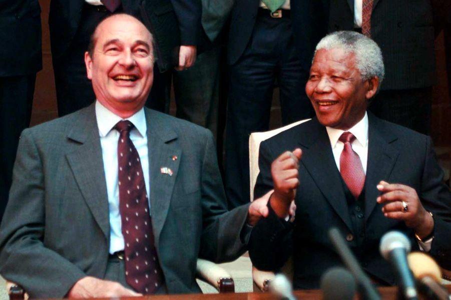 Jacques Chirac et le président sud-africain Nelson Mandela à Pretoria, en juin 1998.