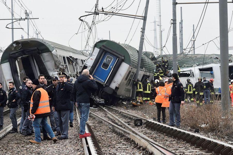 Au moins deux personnes ont perdu la vie dans le déraillement d'un train à Milan jeudi