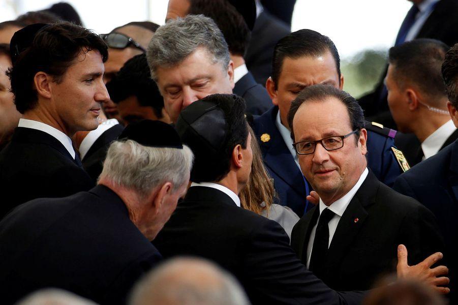 Justin Trudeau et François Hollandeaux funérailles de Shimon Peres, à Jérusalem, le 30 septembre 2016.