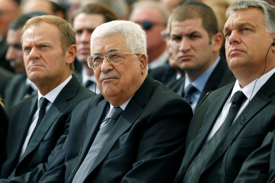 Donald Tusk et Mahmoud Abbasaux funérailles de Shimon Peres, à Jérusalem, le 30 septembre 2016.