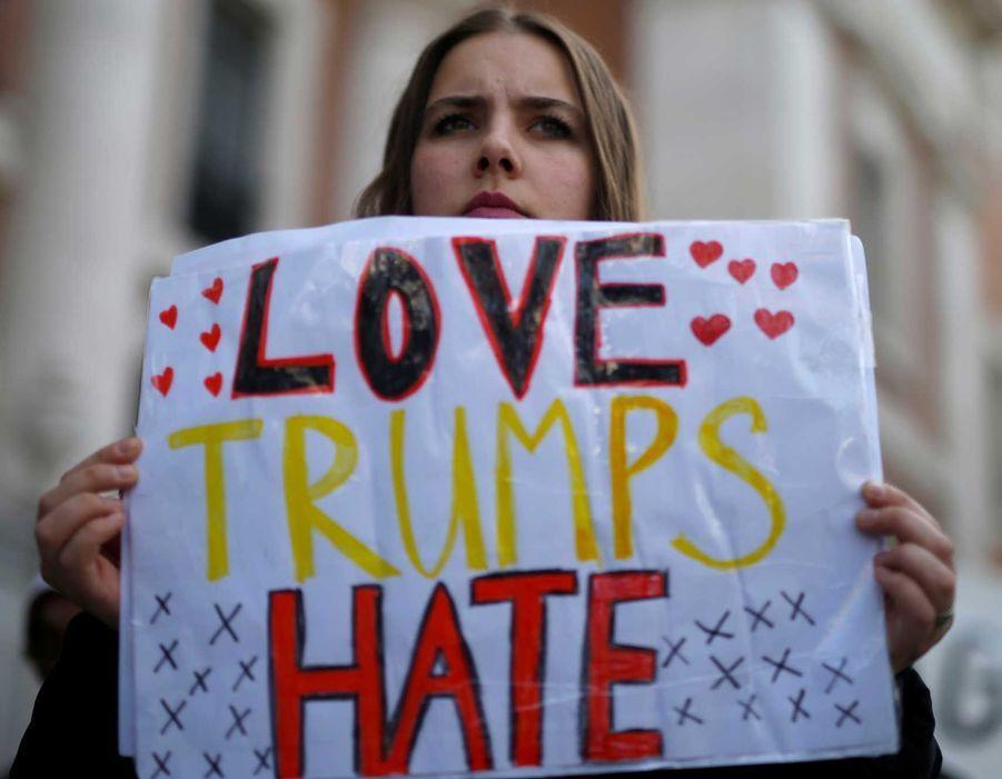 A Madrid, samedi. «L'amour plus fort que la haine».