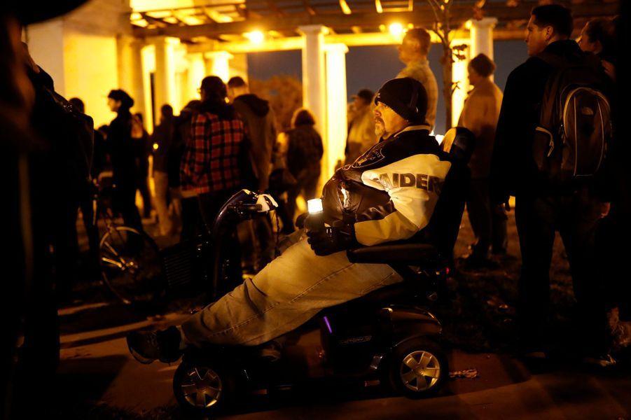 36 personnes sont mortes dans l'incendie d'un atelier d'artistes à Oakland.