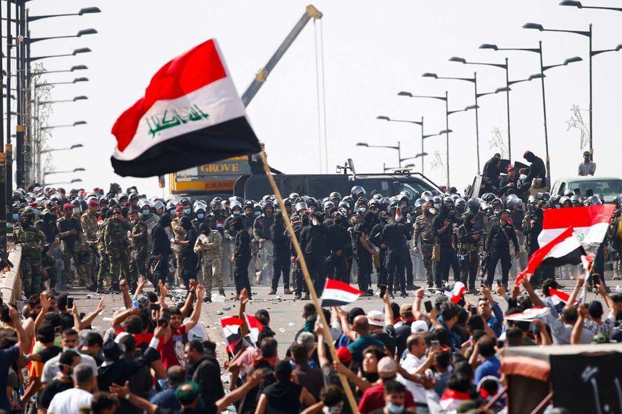 63 personnes tuées en deux jours — Contestation en Irak