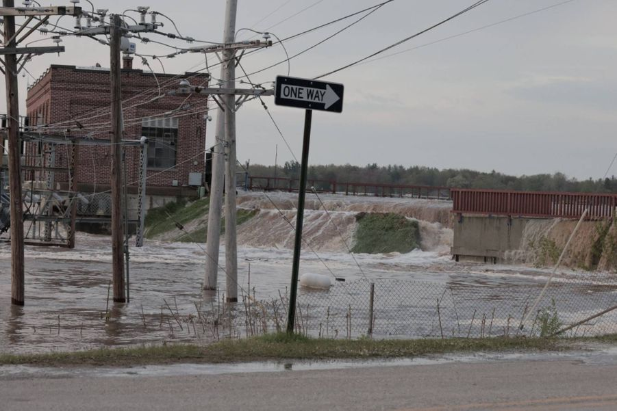 Débordement du barrage de Sanford, dans le Michigan, le 19 mai 2020.