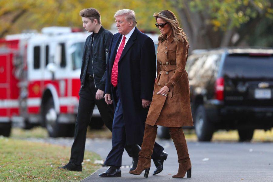 Donald, Melania et Barron Trump ont quitté la Maison-Blanche direction la Floride, le 26 novembre 2019.