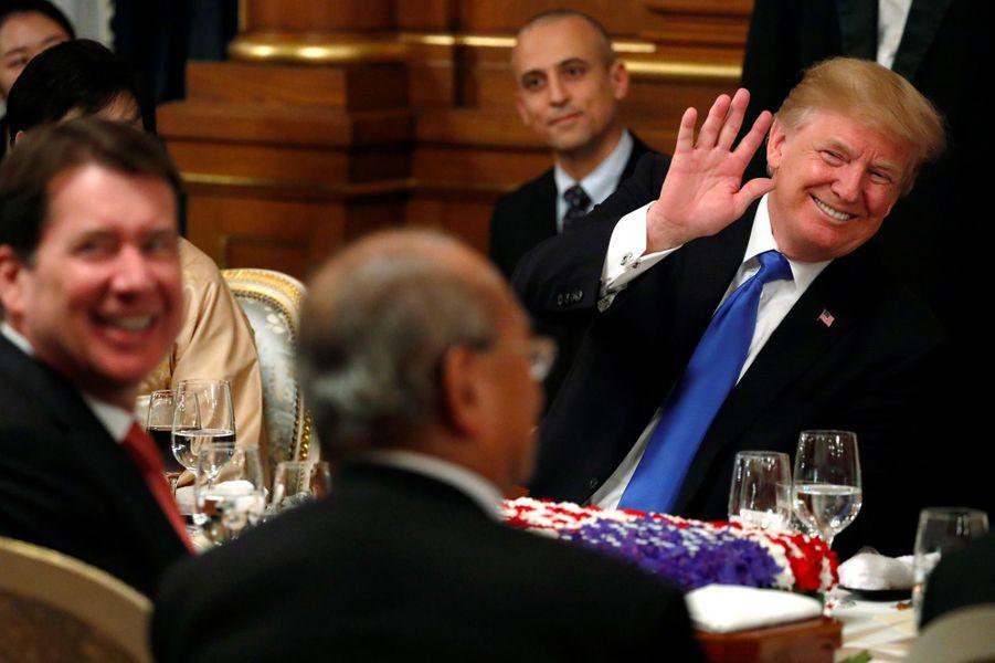 Donald Trump lors du dîner d'Etat à Tokyo, le 6 novembre 2017.