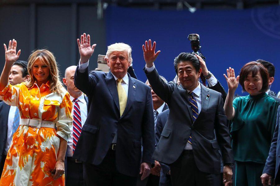 Donald et Melania Trump avec Shinzo et Akie Abe sur la base navale de Yokosuka, le 28 mai 2019.