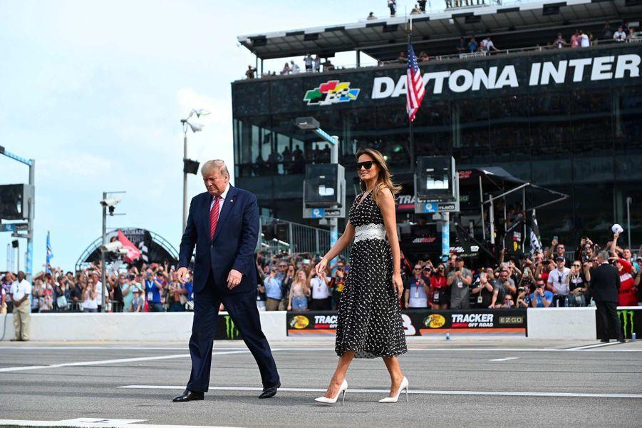 Donald et Melania Trump ont donné le coup d'envoi du Daytona 500, en Floride, le 16 février 2020.