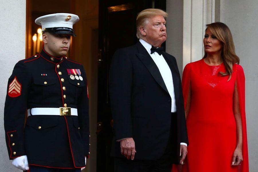 Donald et Melania Trump à Winfield House mardi soir.