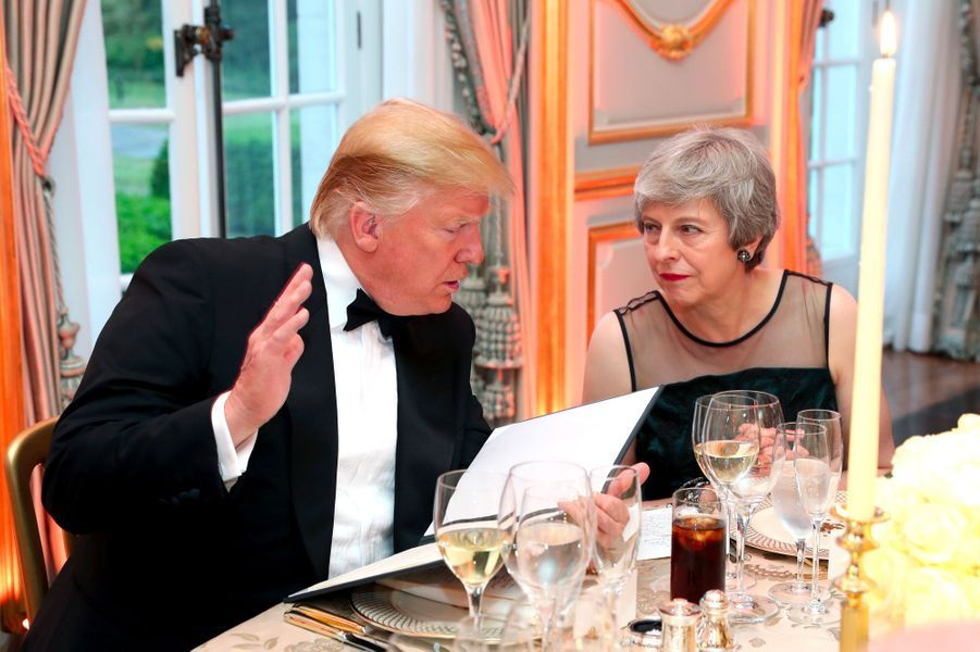 Donald Trump et Theresa May à Winfield House, mardi.