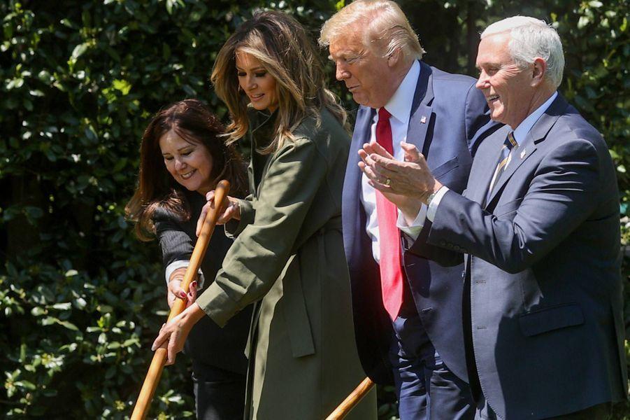 Donald et Melania Trump à la Maison-Blanche, le 22 avril 2020.