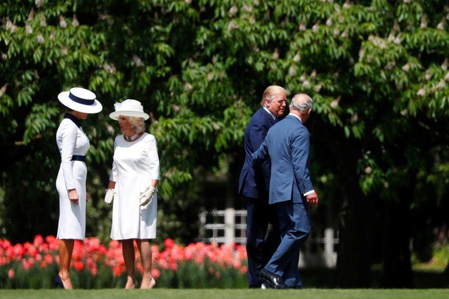 Donald et Melania Trump accueillis à Buckingham Palace par le prince Charles et Camilla, le 3 juin 2019.