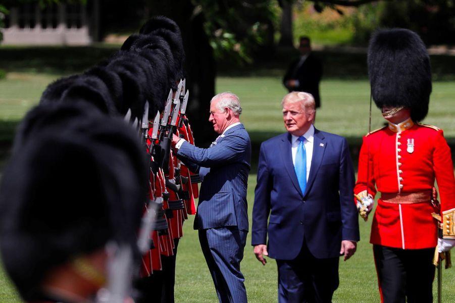 Donald Trump et le prince Charles à Buckingham Palace, le 3 juin 2019.