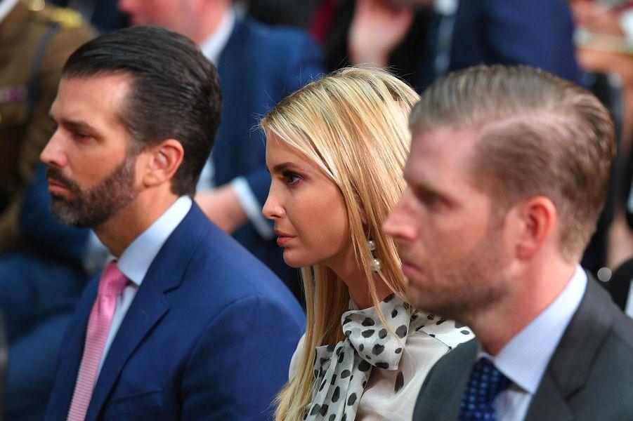 Donald Jr, Ivanka et Eric Trump lors d'une conférence de presse de Donald Trump auBureau des Affaires étrangères et du Commonwealth, le 4 juin 2019.