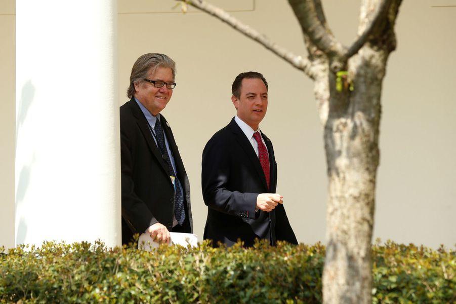 Steve Bannon et Reince Priebus à la Maison Blanche, le 3 avril 2017.