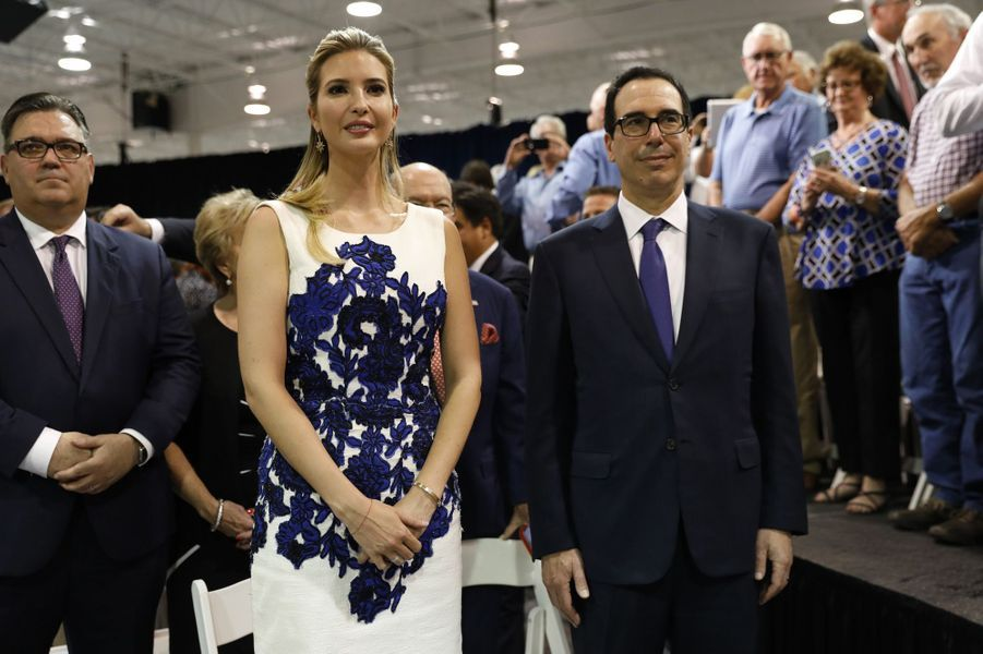 Ivanka Trump et Steven Mnuchindans le Missouri, le 30 août 2017.