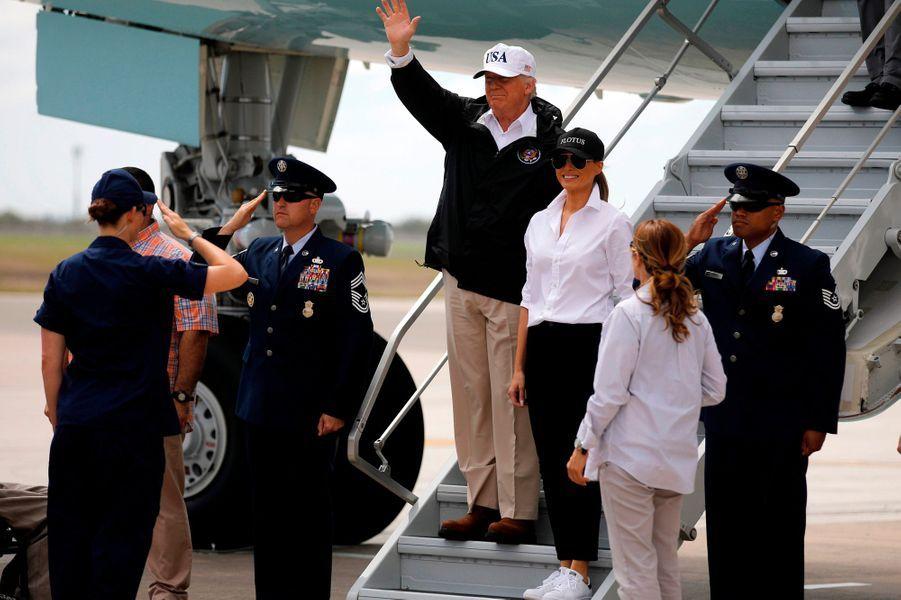 Donald et Melania Trump à leur arrivée dans le Texas.